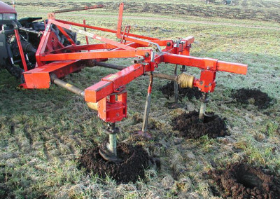Tractor met bomenboor (2)