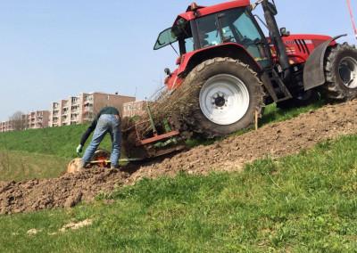 Tractor met plantmachine (2)